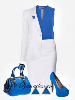 Белый костюм с синей блузой и аксессуарами